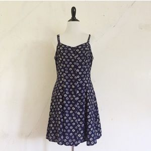 The Limited / Vintage Star Print Button Down Dress